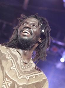 African Reggae Festival : Dias Aux Côtés De Tiken Jah Fakoly